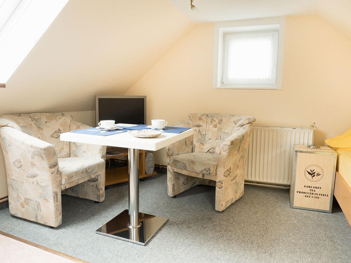 Sitzgelegenheit in der Ferienwohnung Nr. 6 auf Norderney