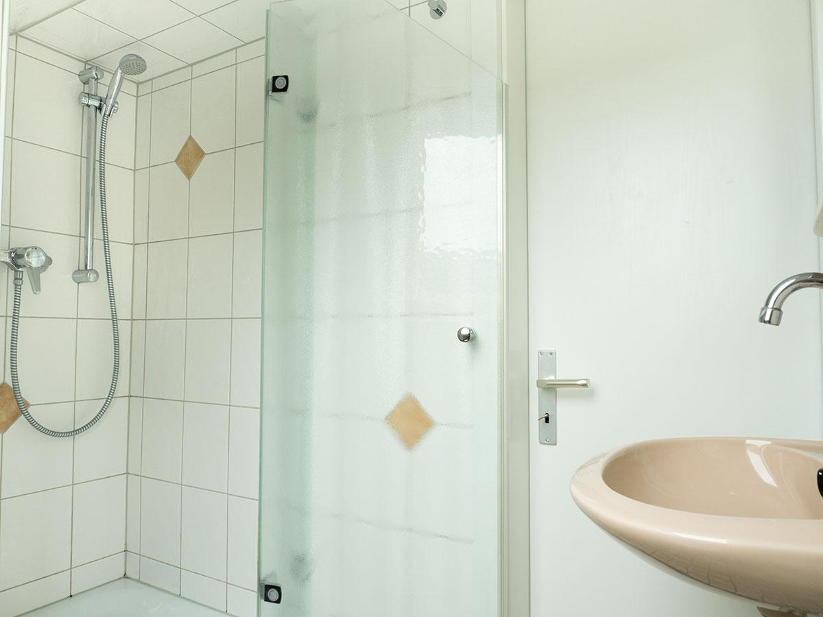Die Dusche der Ferienwohnung Nr. 6 auf Norderney